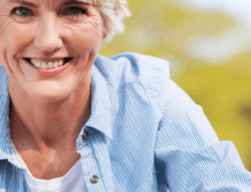 Menopausia y salud bucodental, ¿cómo afectan a nuestra boca los cambios hormonales?