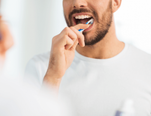 5 errores habituales al cepillarse los dientes que tú también haces