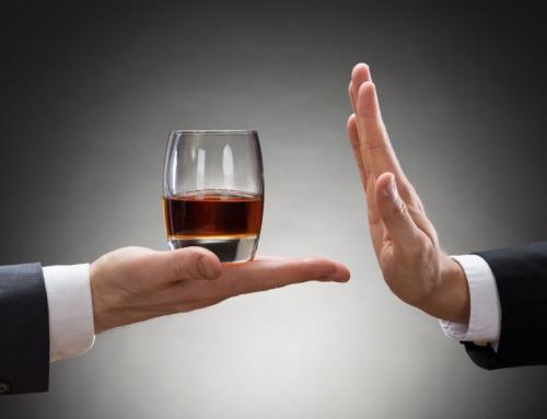 ¿Cómo el consumo de alcohol afecta a nuestra salud bucal?  (Parte 1 de 2).